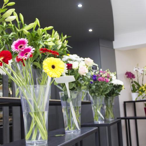 présentoir fleurs coupées - Ripoche Fleurs Beaupreau