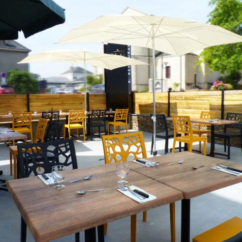 terrasse restaurant St Pierre parasol